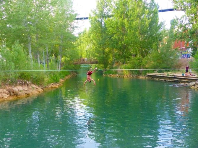 Waterline montada sobre el río Júcar en la misma ciudad de Cuenca